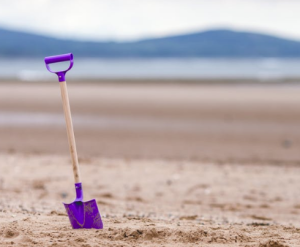 2017-04-09 07_21_23-Purple Shovel on Sand Bottom Focus Camera · Free Stock Photo