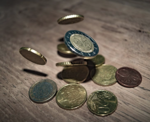 2017-08-13 10_29_17-Close-up of Coins on Table · Free Stock Photo