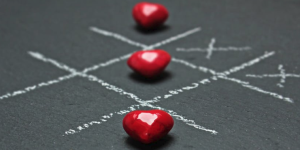 2017-05-13 20_52_49-Red Heart Shaped Beads Tic Tac Toe Buttons · Free Stock Photo